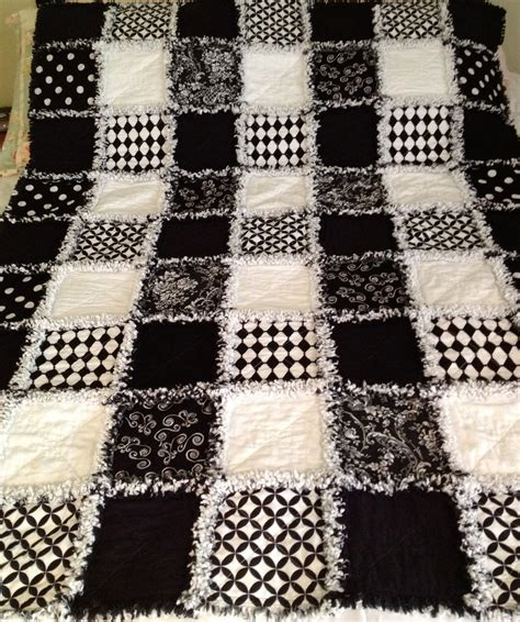 Quilts Black And White by Zeedlebeez Black And White Rag Quilts