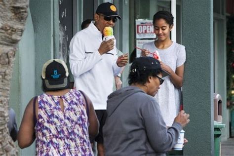 vacation like the president at obama s hawaii vacation obama kicks off 2015 with snorkeling shave ice world