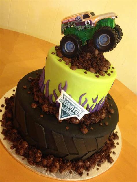 grave digger monster truck cake monster jam cake main made custom cakes