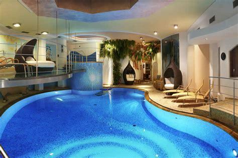 piscina interna casa piscinas dentro de casa colores en casa