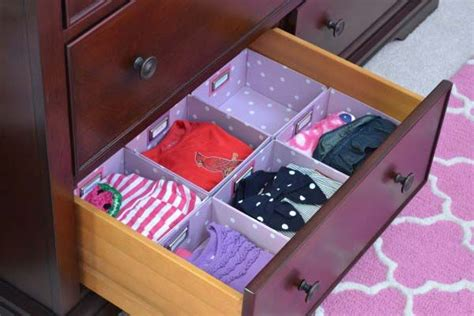 Organizing Clothes In Drawers by Best 25 Organizing Crayons Ideas On Organize