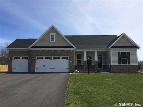 Fairport Garage by 10 Ashlyn Rise Fairport Ny 14450 3 Beds 2 Baths Home