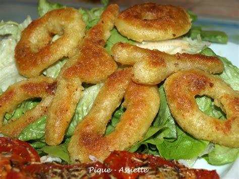 comment cuisiner les calamars surgel駸 beignets de calamars frits sur lit de salade pique