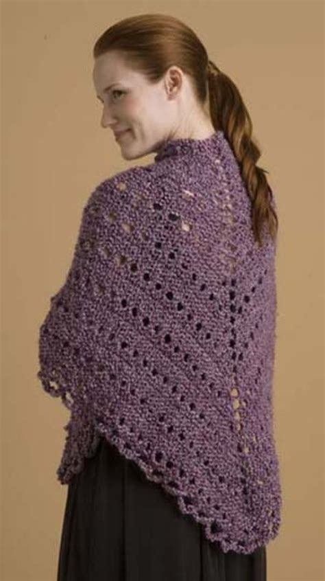 easy triangle shawl  lion brand homespun