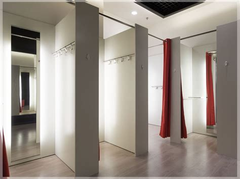 desain kamar ganti tips desain interior toko baju pakaian minimalis modern