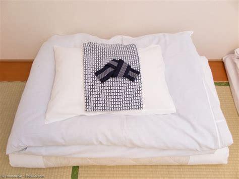 japanische schlafunterlage futon f 252 r unterwegs japanischen schlafkomfort 252 berall