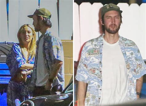Hudson Has A New by Exclusive Photos Kate Hudson S New Boyfriend Id D Favogram