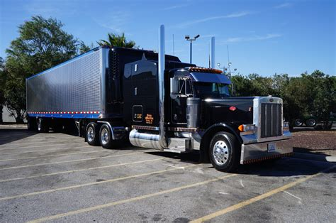 truck bakersfield ca file bakersfield ca truck peterbilt at flying j travel