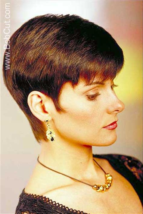 very short ear length bob haircut hairstyle picture brunette very short bob hair style