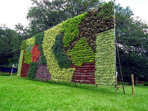 the benefits of vertical gardens