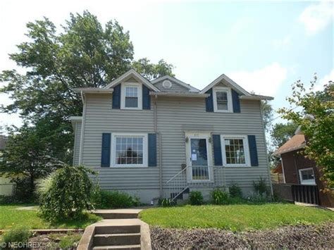 houses for sale in massillon ohio 317 ohio ave ne massillon ohio 44646 bank foreclosure info reo properties and bank