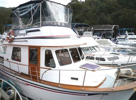 houseboats pittwater omega deluxe clipper 34 boat houseboat hire pittwater