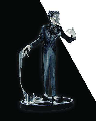 joker statue by jim lee 2nd edition batman black and white spac batman black and white series jim lee the joker mini