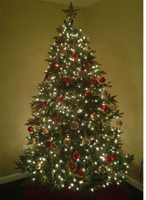 9 foot delaware spruce artificial christmas tree unlit