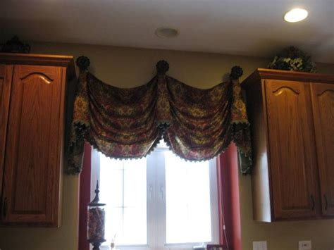 Curtain Ideas Window Valance Ideas 165 Empire Valance On Medallions