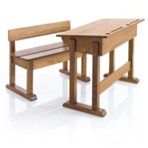bureau en bois pour enfant bureau enfant am 233 nager un espace de travail dans la