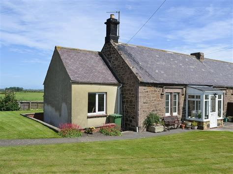 cottages in craster northumberland farm retreat in craster selfcatering travel