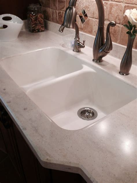 """Seamless"" Corian countertop! Intregal equal double bown"