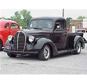 PHOTO GALLERY OF OLD TRUCKS