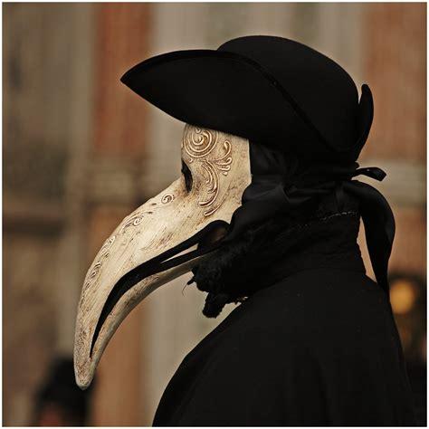 Dr Becco Venezia medico della peste plague mask 17th century venice