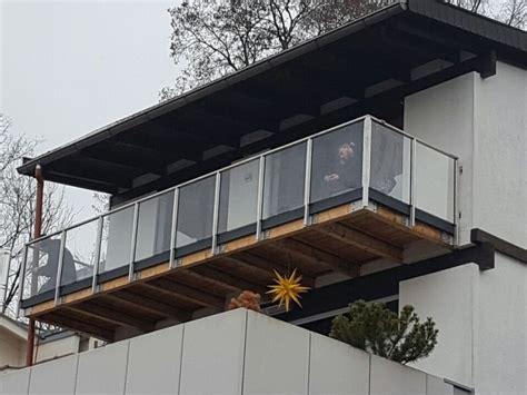 aussengeländer mit glas metallbau kliewer balkongel 228 nder glas