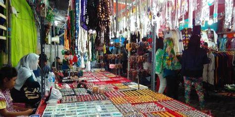 Sajadah Sandar Bandung pasar malam ramadan di makassar selalu ramai diserbu warga