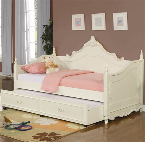 White Wood Daybed With Trundle White Wooden Daybed With Pop Up Trundle Gretchengerzina