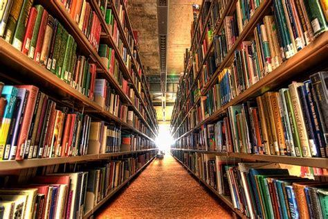 antes que anochezca biblioteca las sorprendentes preguntas que los bibliotecarios ten 237 an que responder antes de google libr 243 patas