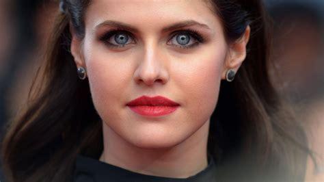 wallpaper alexandra daddario  popular celebs actress