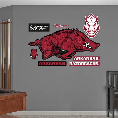 arkansas razorback home decor arkansas razorbacks realtree logo wall decal shop