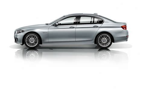 model units unveiled at century city s ten 2014 bmw f10 5 series officially unveiled autoevolution