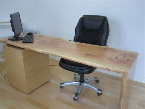 custom   edge desk  rileys custom cabinets custommadecom