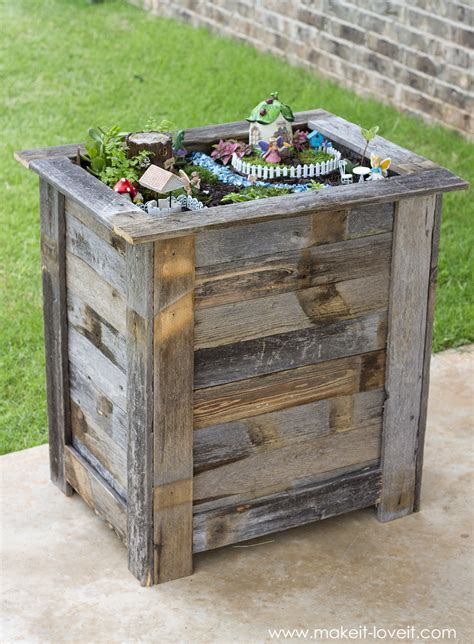 Reclaimed Wood Planter Box by Diy Reclaimed Wood Planter Box For An Upright