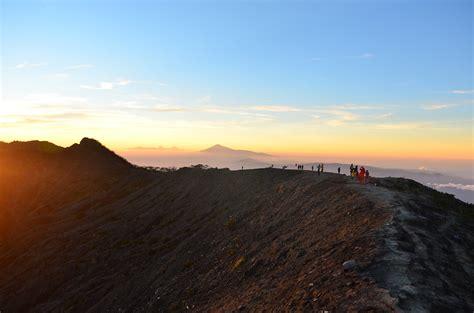pendakian gunung ciremai melalui jalur linggarjati yuk
