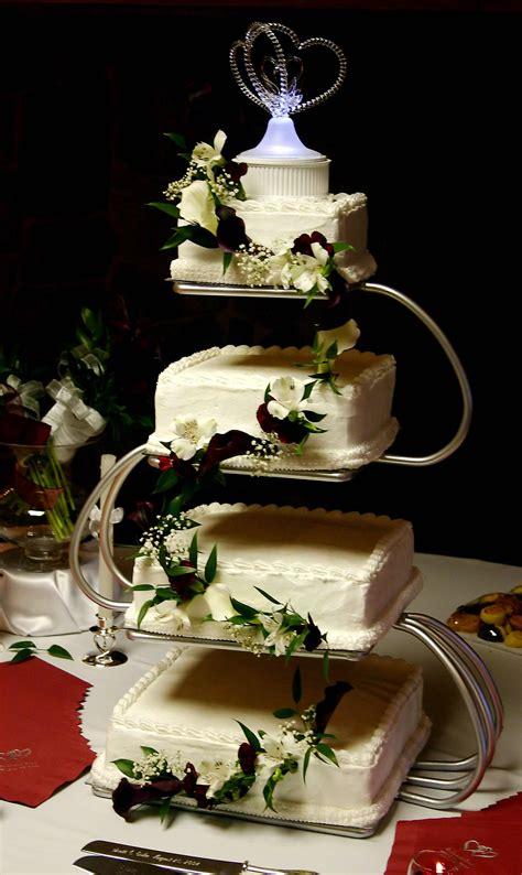 Hochzeitstorte 4 Etagen by Hochzeitstorte Eckig Bildergalerie Hochzeitsportal24