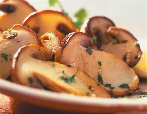 funghi da cucinare funghi trifolati cucina