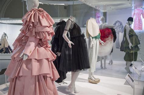 design clothes london work nick veasey s x ray photographs of balenciaga s garments