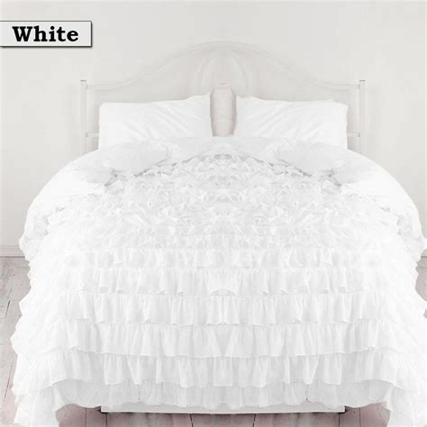 ruffled white bedding best 20 white ruffle bedding ideas on pinterest lace