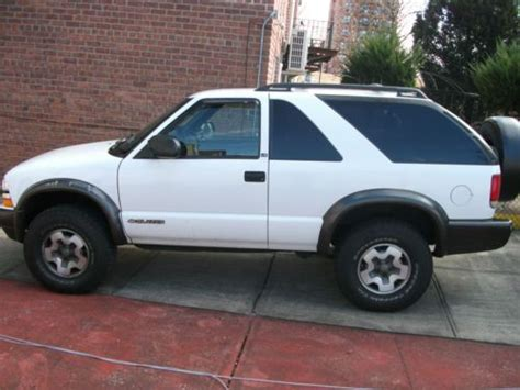 2 Door Blazer by Sell Used 2001 Chevrolet Blazer Ls Sport Utility 2 Door 4