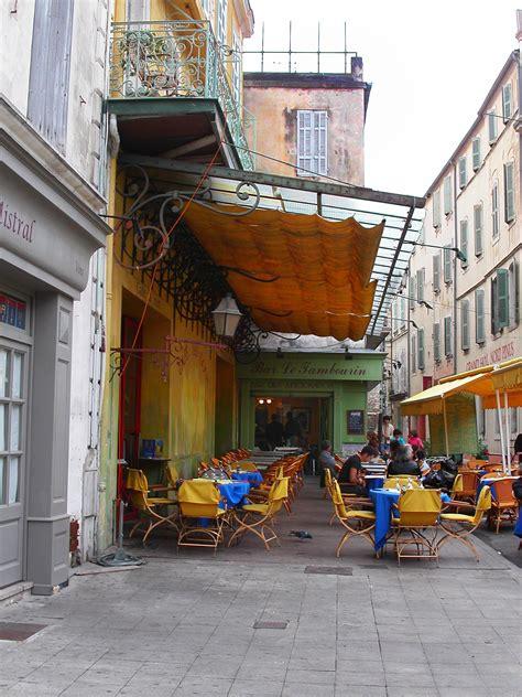 Hangterrasse Anlegen by Cafe Gogh Arles