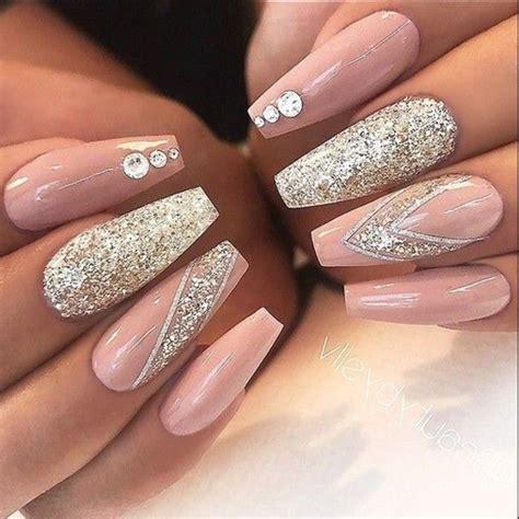eye catching  fashion acrylic nails matte nails
