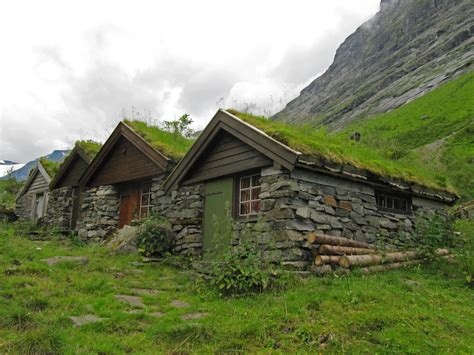 cottages in the mountains small mountain cabins in norangsdalen mrs snowman flickr