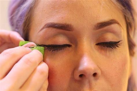eyeliner tutorial tape perfect winged eyeliner tutorial