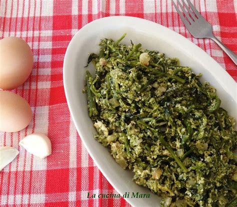 cucinare i broccoli in padella broccoletti in padella con uova strapazzate ricetta calabrese