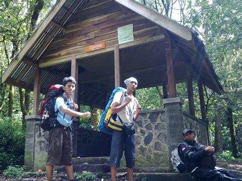 travelling pendakian gunung ciremai  mdpl