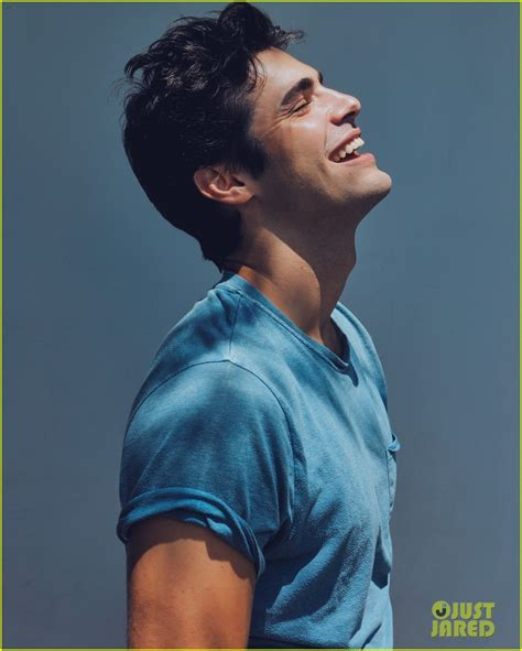 matthew daddario how old is he matthew daddario reads his tweets with accents for raw