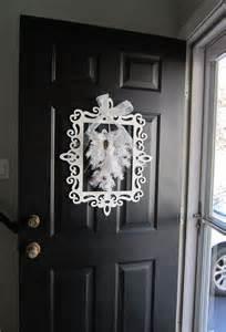 winter door decor