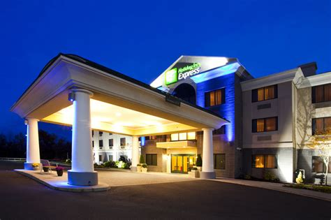hotels with in room syracuse ny book inn express syracuse airport syracuse hotel deals