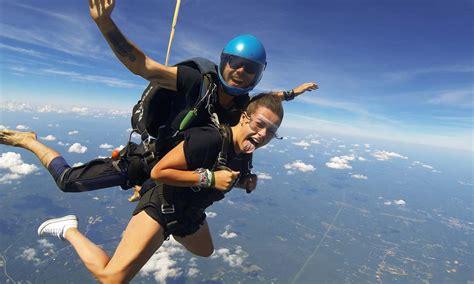 parachute dive skydive videographer skydiving photos service