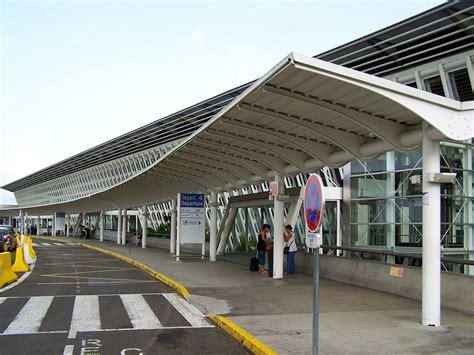 pointe 224 pitre international airport